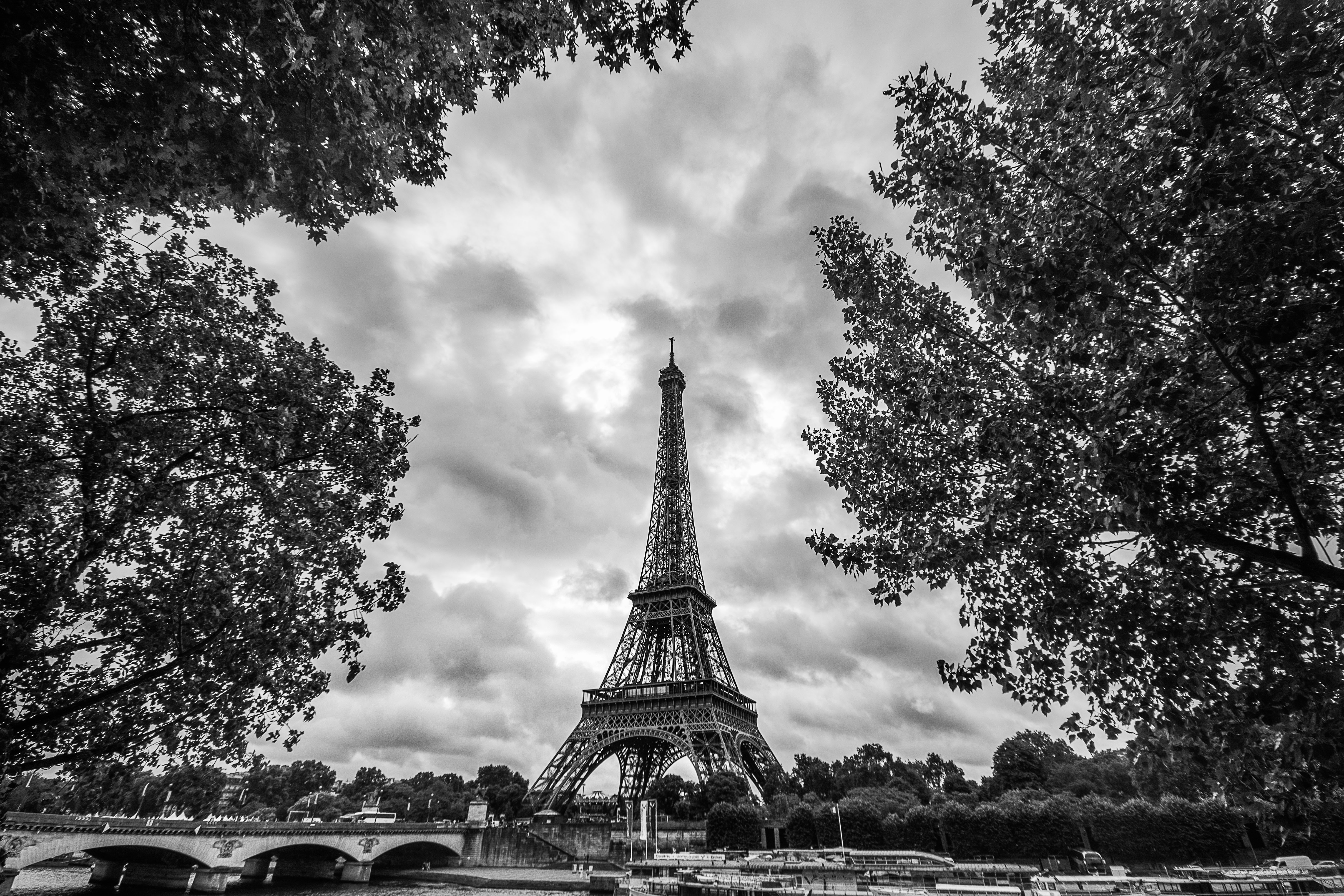 Another candidate from Paris photo shoot locations for Eiffel Tower by Travel Anubhav.