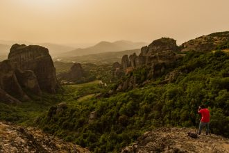 Photography guide for Meteora by TravelAnubhav
