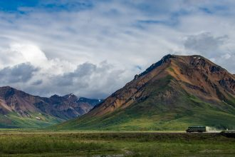 Shuttle bus tour in Denali National Park Alaska by Travel Anubhav.
